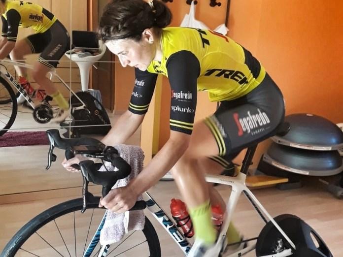 Astana Pro Team Com A Maglia Rosa Do Giro D'Italia Virtual, Trek-Segafredo Lidera A Corrida Rosa