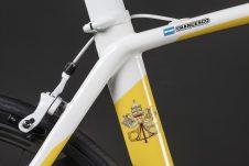 Papa Francisco Vai Leiloar A Bicicleta Oferecida Por Peter Sagan Para Ajudar Hospitais (3)
