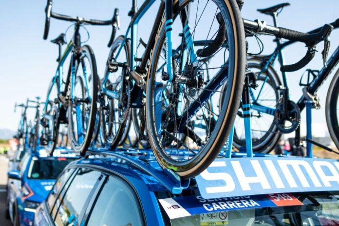 Azul Shimano Para O Suporte Neutro No Tour De France