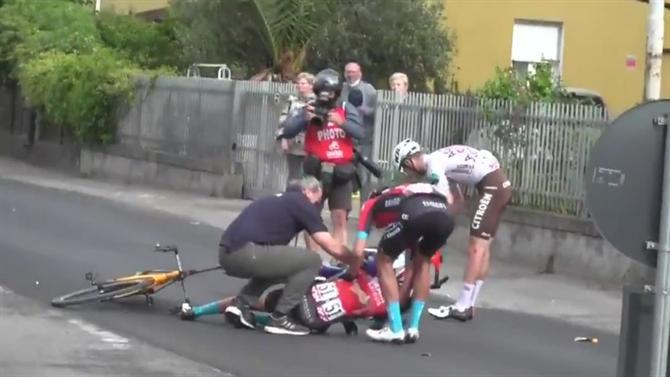 Vídeo Da Violenta Queda De Mikel Landa No Final Da 5ª Etapa Do Giro D'italia