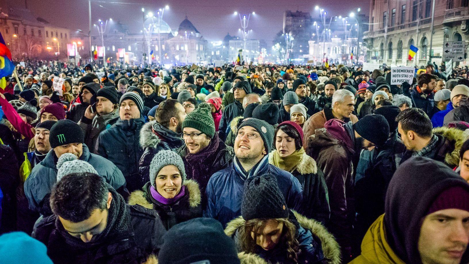 Румыны вышли намассовые протесты: красноречивые фото