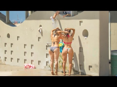 Hilarious Shampoo Prank At The Beach