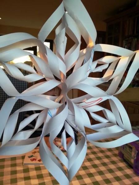 make a paper 3d snowflake