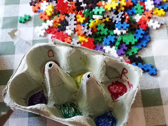 colouring in egg boxes with sharpies