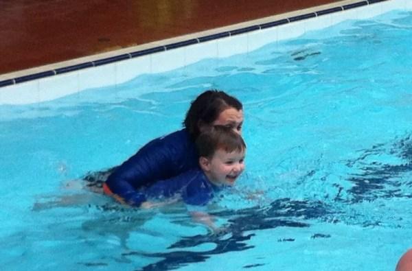 mr shark swimming game