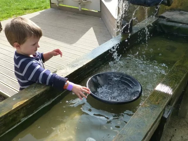 gold panning at hatton