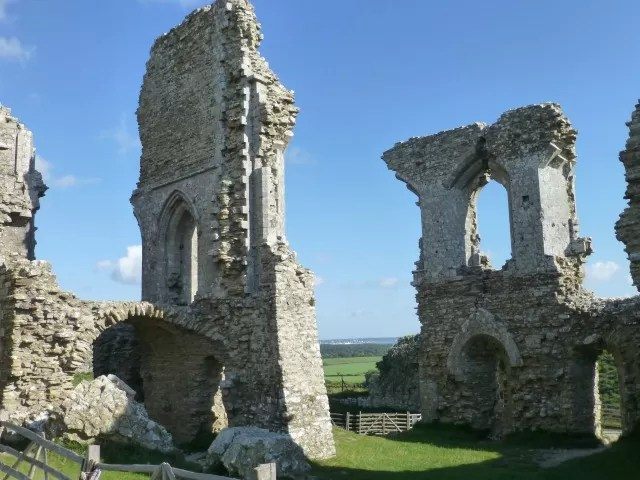 beautiful castle ruins - corfe castle c