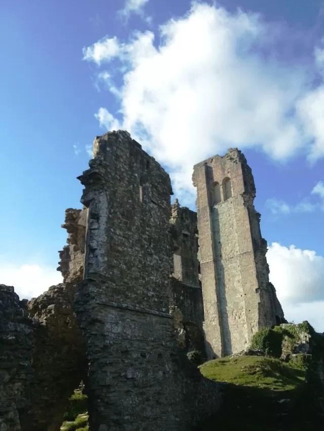 broken corfe castle ruins c