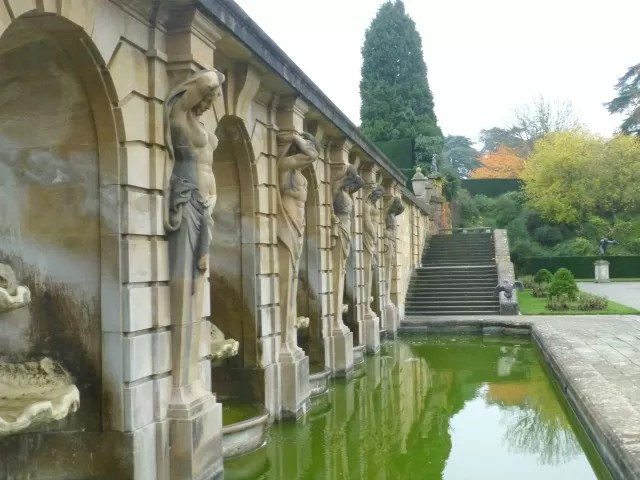 water feature nude statues at blenheim palace