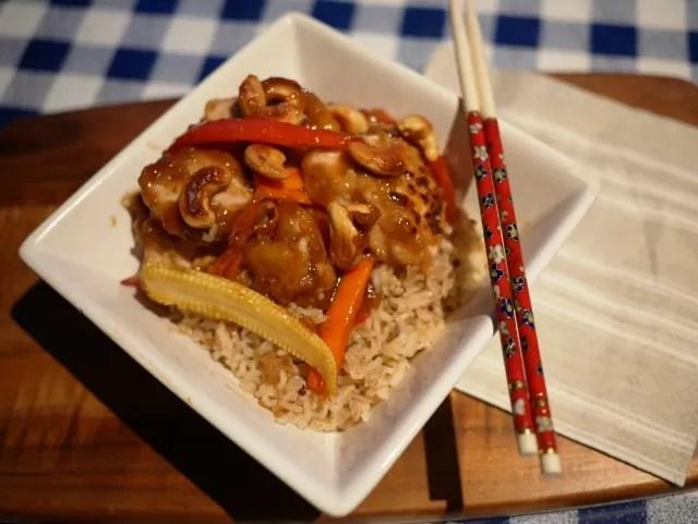 skinny cashew chicken stir fry - CarlsbadCravings