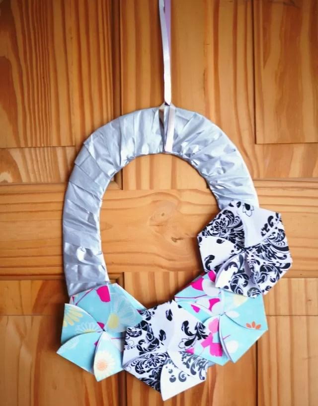 make an origami flower wreath - bubbablueandme
