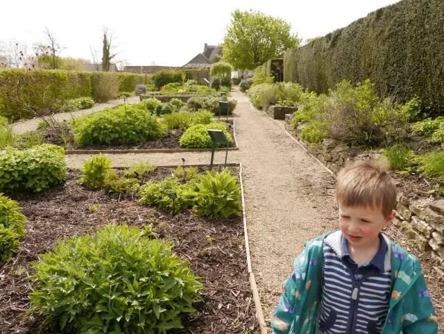 sulgrave manor gardens