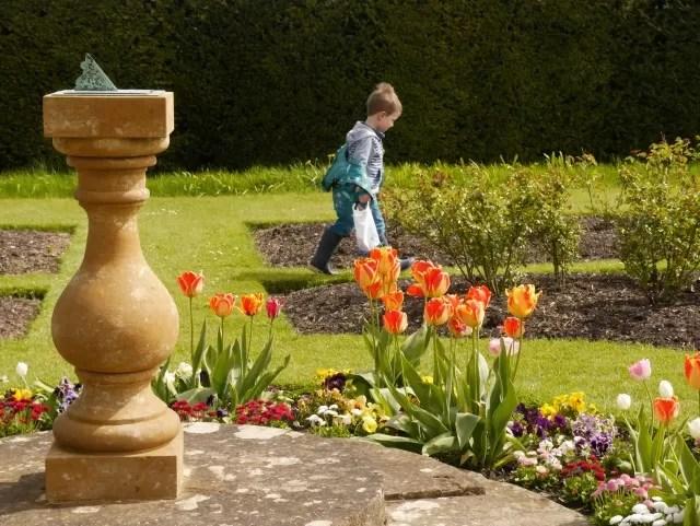 sundial in the garden at Sulgrave Manor