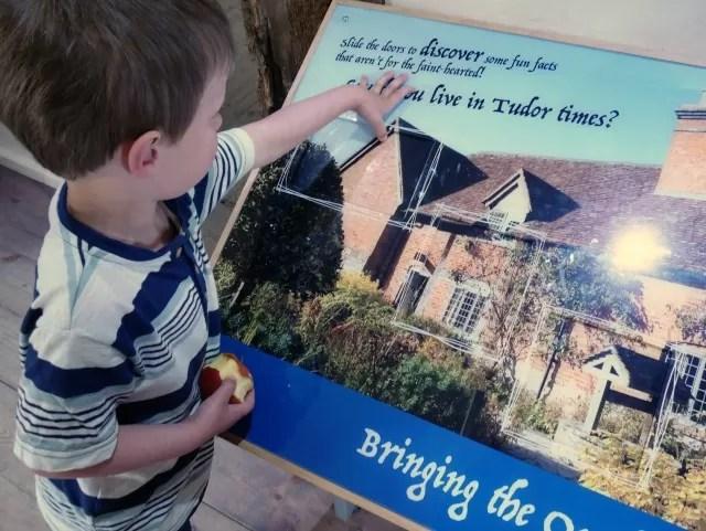 Tudor house quiz board