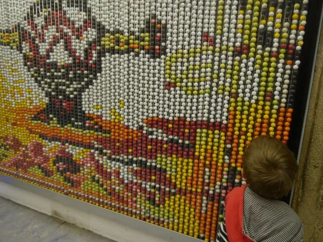 bobble sweet bead picture in science museum