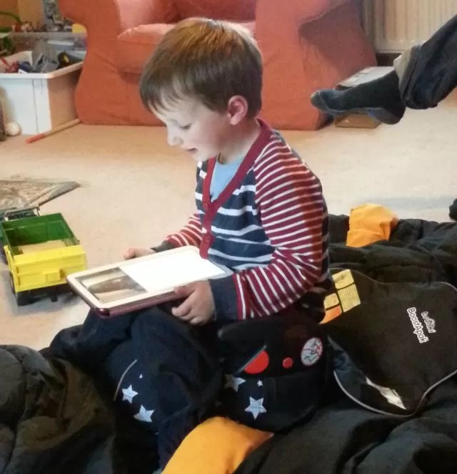 reading on the trunki boostapak