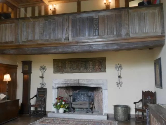 entrance hall at Packwoood house