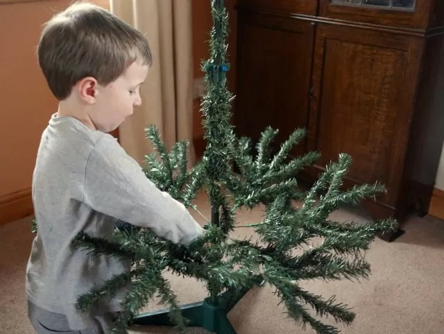 building the Christmas tree