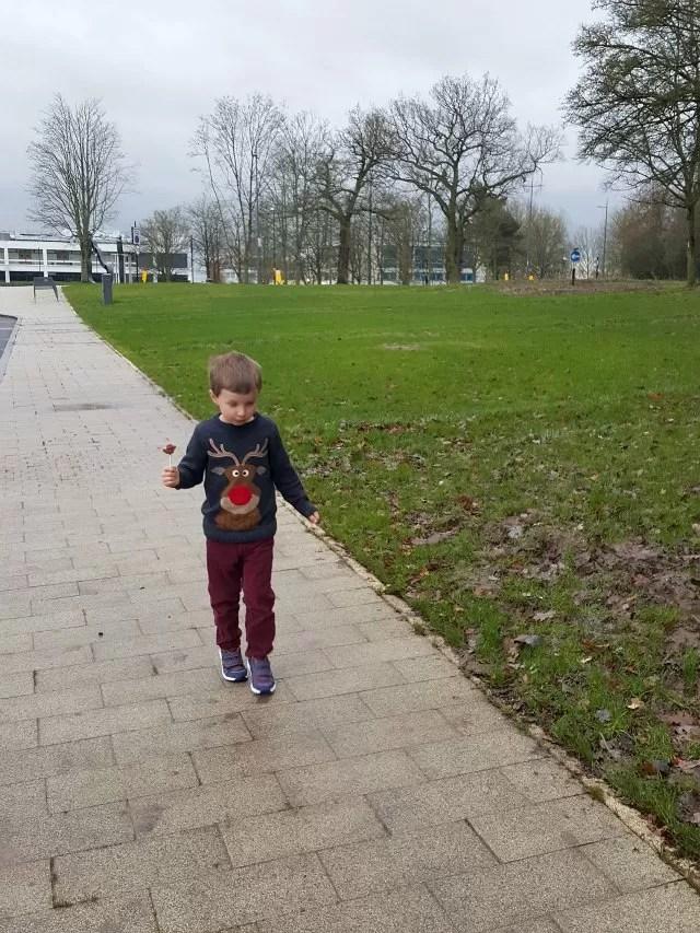 walking round Warwick uni campus