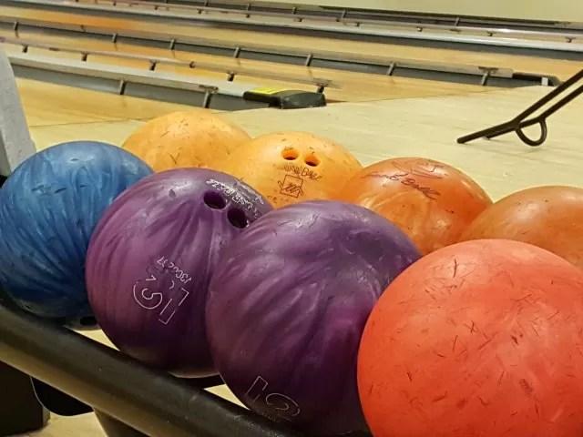 ten pin bowling balls