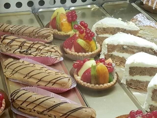 Druckers patisserie cakes