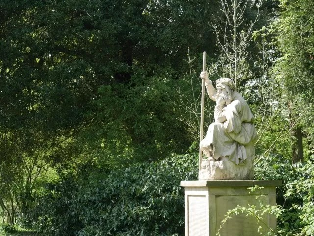 statues at croome park