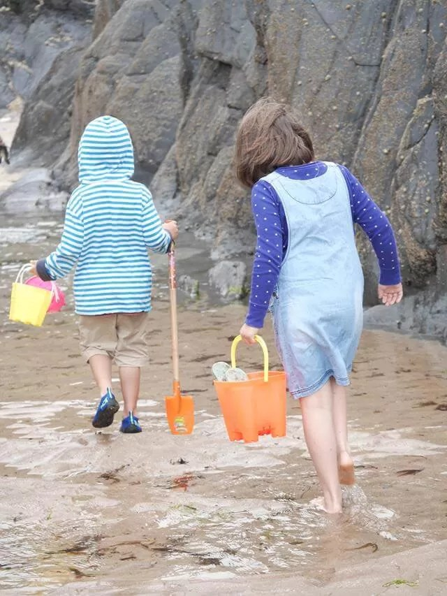 beachcombing and rockpooling at Watersmeet beach