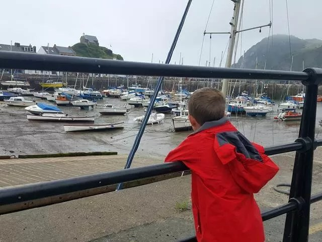 watching the harbour boats in ilfracombe