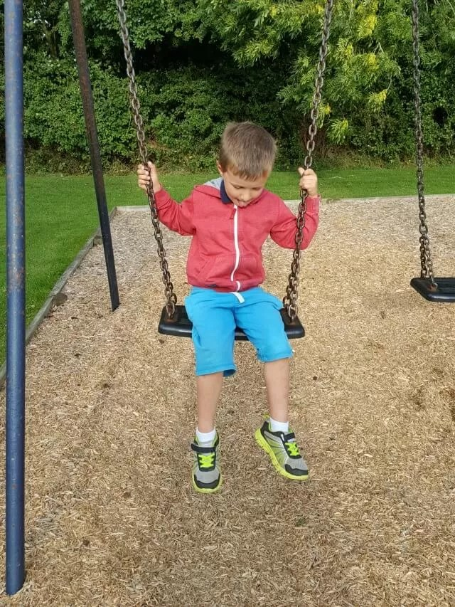 playgound swings