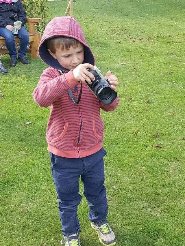 5yo taking photos