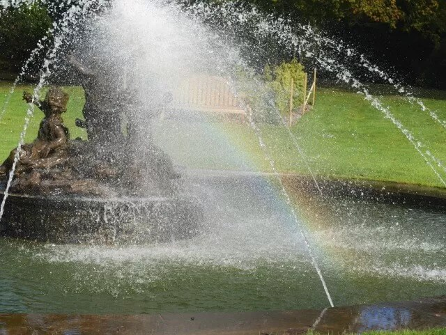 ater fountain rainbows at blenheim palace