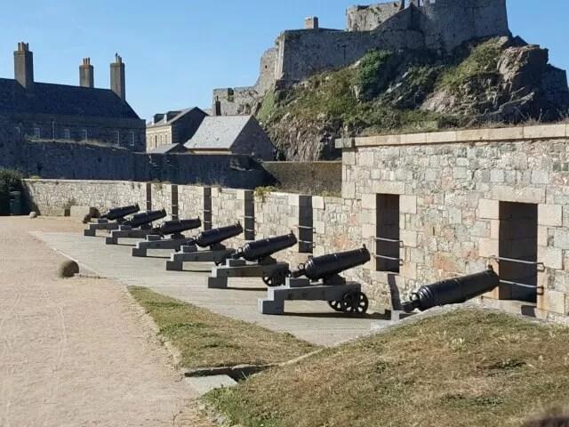 canons-at-elizabeth-castle