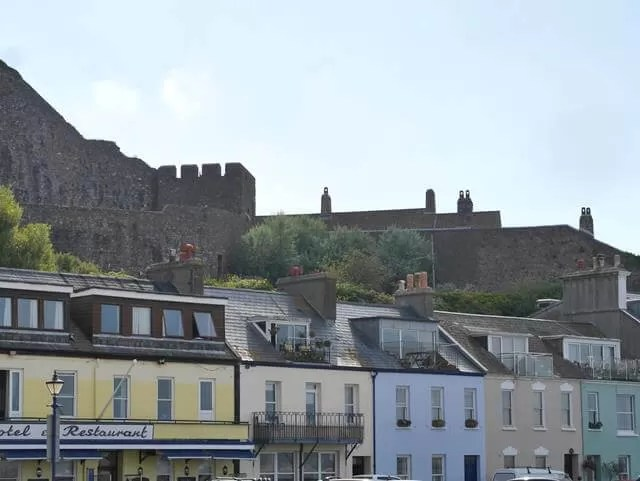 colourful-buildings-at-gorey