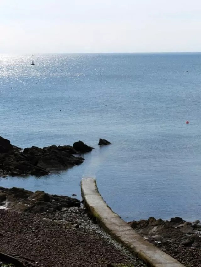 looking-out-to-see-from-mont-orgueil