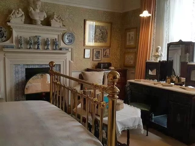 main-bedroom-at-stafford-terrace