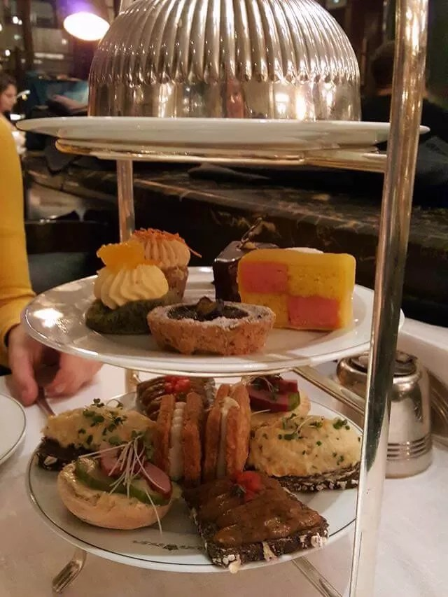 afternoon-tea-at-london-the-delaunay