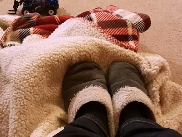 Hygge - slippers and blanket