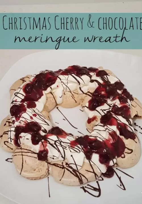 Christmas cherry & chocolate meringue wreath - Bubbablue and me