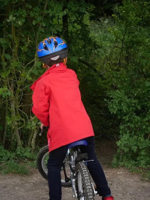 exploring the woods at Ryton Pools