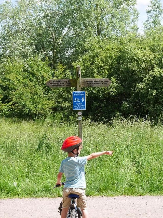 pointing the way at stanwick lakes