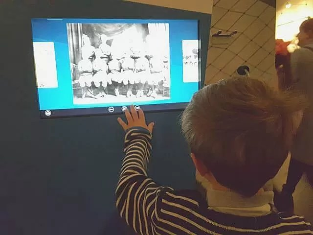 watching war information at war museum
