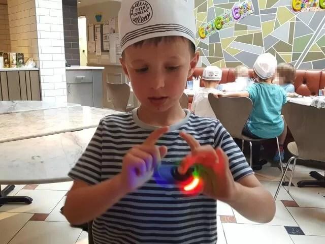 fidget spinners spinbladez