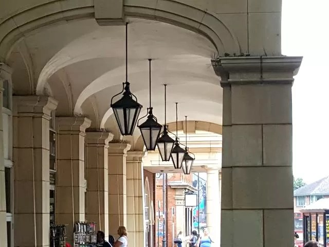 archways and lights in Banbury
