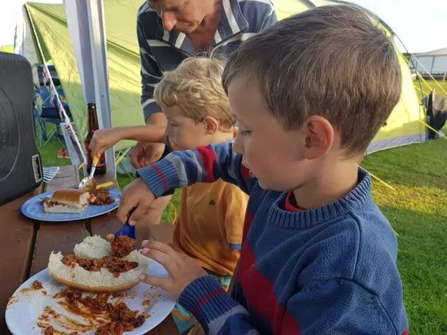 chilli mealtimes at camping