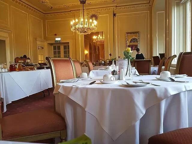 breakfast restaurant in queens hotel