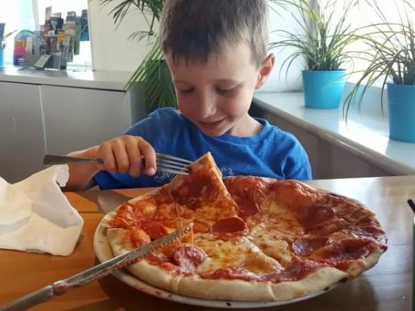 mozzarella joe's giant children's menu pizza