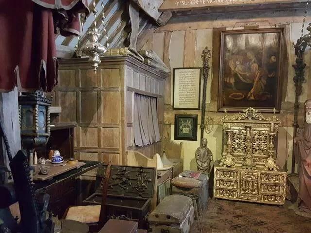Charles Wade's bedroom at snowshill manor