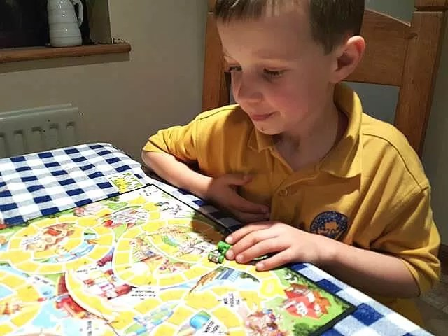 playing game of life junior