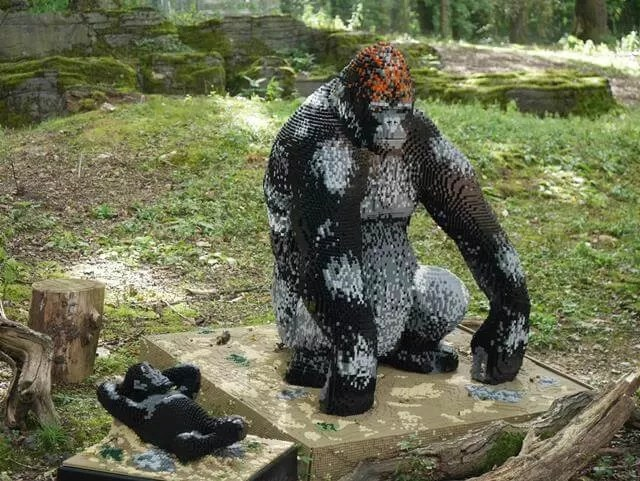 lego gorilla and baby