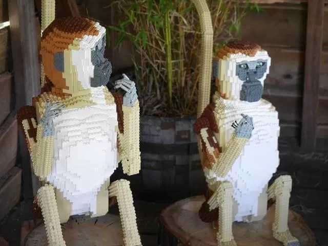 lego monkeys